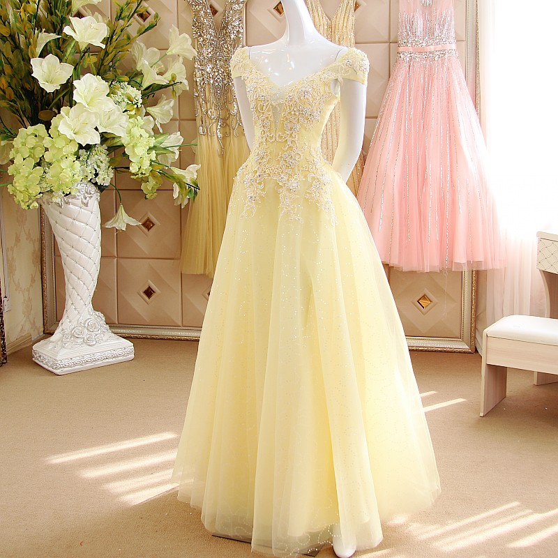 Pastel Yellow Cap Sleeves Sequined Tulle Prom Dresses Y V Neck Beads Liques Long Party